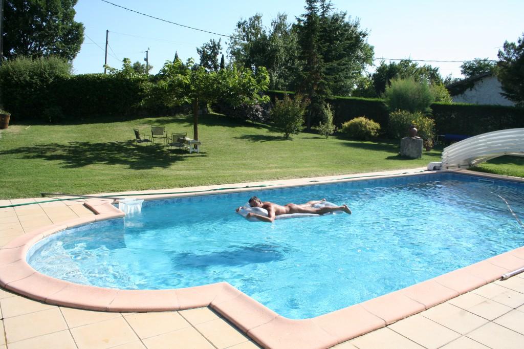 Le Lézard Bleu piscine naturiste