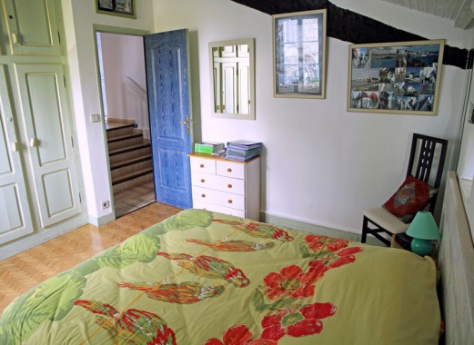 Le Lézard Bleu chambre Mykonos vers la porte